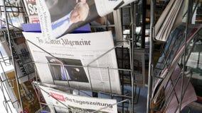 Boris Johnson verschijnt op voorpagina van Duits Die Welt stock footage