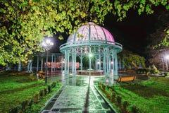 Borjomi, Samtskhe-Javakheti, Gruzja Pawilon Nad Gorąca wiosna fotografia royalty free