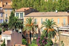 BORMES-LES-MIMOSAS村庄在法国 免版税库存照片
