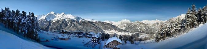 Bormio - de panoramische winter Royalty-vrije Stock Afbeeldingen