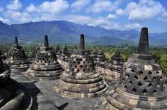Borobudur świątynia jest turystycznym miejscem przeznaczenia w Azja, Indonezja - obrazy stock