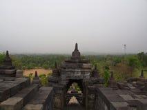 Borobudur na cidade de Yogyakarta Curso em Indonésia 8 de outubro imagens de stock