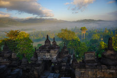 Borobudurzonsopgang, Java, Indonesië Stock Afbeeldingen