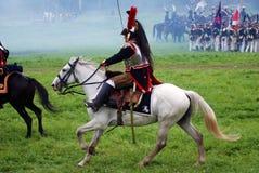 Borodino batalistyczny dziejowy reenactment w Rosja Kirasjer jedzie konia Fotografia Royalty Free