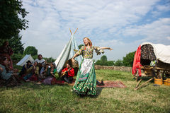 Borodinsky för Ethno konstgrupp zigenare, Moskva Royaltyfri Fotografi