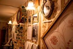 Borovsk Ryssland - Maj 2016: Museum av historien av köpmännen av Borovsk i huset av Polezhayevykhen royaltyfri bild
