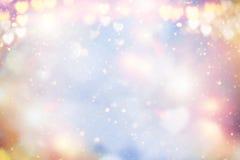 Borrão borrado de incandescência do fundo da cor pastel abstrata do feriado, bokeh Corações do Valentim fotos de stock