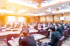 Borrão da conferência e da apresentação de negócio na conferência h foto de stock