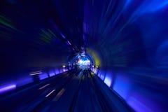 Borrão de movimento railway do fundo do túnel movente foto de stock