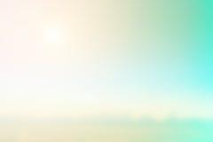 Borrão do fundo natural cores mornas e luz brilhante do sol BO Foto de Stock