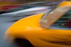 Borrão do táxi imagem de stock