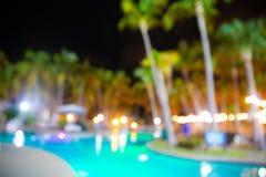 Borrão tropical Defocused da piscina do recurso do hotel foto de stock royalty free