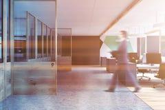 Borrão verde cinzento do escritório de plano aberto do teste padrão Foto de Stock Royalty Free