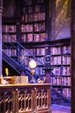 Borre o interior do traje do escritório de Dumbledore e do ` s do professor Decoração Warner Brothers Studio para o filme de Harr Fotografia de Stock