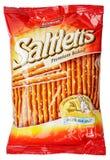 Borsa del biscotto di Lorenz Saltletts Sticks Classic isolata su bianco Fotografie Stock Libere da Diritti