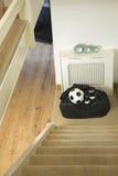 Borsa di corredo di calcio, palla e stivali di calcio Fotografie Stock Libere da Diritti