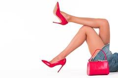 Borsa e gambe della donna Fotografia Stock Libera da Diritti