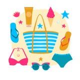 Borsa femminile con gli accessori della spiaggia Insieme degli elementi di disegno di estate Può essere usato per il manifesto di Immagine Stock Libera da Diritti