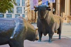 Borsa valori Francoforte del ribassista e del toro fotografie stock libere da diritti