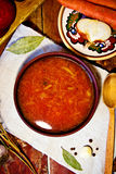 Borsch traditionnel ukrainien Photos stock