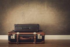 Borse d'annata di viaggio immagini stock libere da diritti