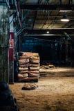 Borse di grano - vecchia distilleria abbandonata del corvo - il Kentucky fotografia stock