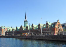 Borsen, a construção de troca impressionante do stock antigo em Copenhaga, Dinamarca Imagens de Stock