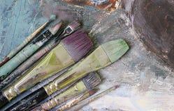 borstar kontrollerar konstruktionsillustrationer mer min portfölj för målarfärg var god Royaltyfri Bild