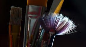 borstar kontrollerar konstruktionsillustrationer mer min portfölj för målarfärg var god Royaltyfri Foto