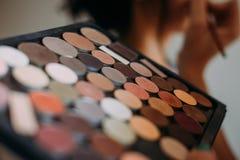 borsteögat gör upp makeupskuggor royaltyfria foton