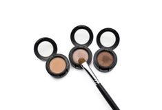 Borste för ögonskugga på krukor för ögonskugga Fotografering för Bildbyråer