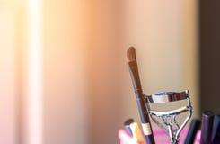 Borste och hjälpmedel av makeup Royaltyfri Foto