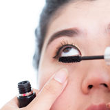 Borstel van de make-up de kunstenaar gebruikte mascara Stock Foto's