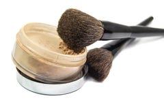 Borstels voor de toepassing van schoonheidsmiddelen en poeder stock afbeelding