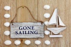 Borta segling royaltyfri foto