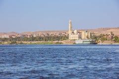 Bortg?ng Aswan med fartyget arkivbild