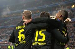 Borussia Dortmund firar mål under mästareligamatchen mot Shakhtar Arkivfoton