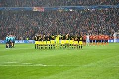 Borussia Dortmund och FC Shakhtar team för matchen av mästareligan Royaltyfri Foto
