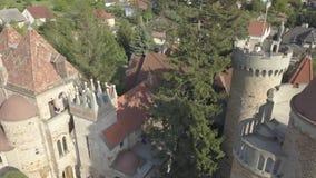 Bory Var, castillo agraciado construido por un hombre Bory Jeno en el Szekesfehervar, Hungría almacen de video