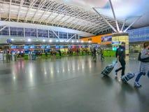 Boryspil, Ucraina 28 aprile 2018: Partenze Corridoio in aeroporto internazionale Boryspil Orario di Arrivo-partenze fotografia stock