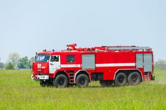 BORYSPIL, UCRANIA - MAYO, 20, 2015: Firetruck rojo Fotografía de archivo libre de regalías