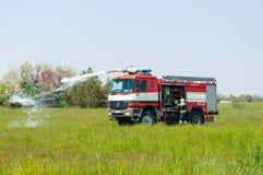 BORYSPIL UKRAINA, MAJ, -, 20, 2015: Jednostka straży pożarnej dalej Obrazy Royalty Free