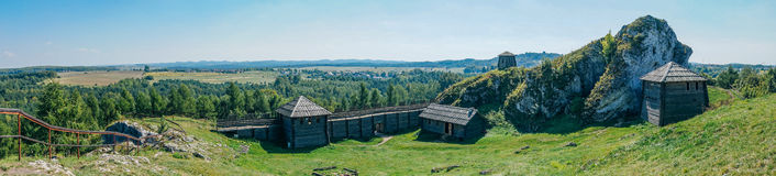 Bosättningen på monteringen Birow i Podzamcze Royaltyfri Fotografi