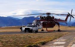 Bos brandhelikopter Royalty-vrije Stock Fotografie