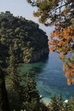 Bos en kasteel rond Valtos-strand in Parga Royalty-vrije Stock Fotografie