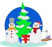 Bos met twee sneeuwmannen Stock Afbeeldingen