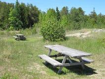 Bos picknickgebied Royalty-vrije Stock Afbeeldingen