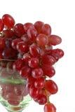 Bos van Druiven in een Glas van de Wijn Stock Fotografie