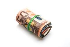 Bos van euro bankbiljetten van diverse benamingen Geïsoleerd op wh stock afbeelding