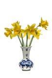 Bos van gele narcissen in een delfts blauwe vaas Royalty-vrije Stock Fotografie